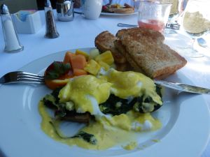 Eggs Florentine, Two Bunch Palms, Breakfast