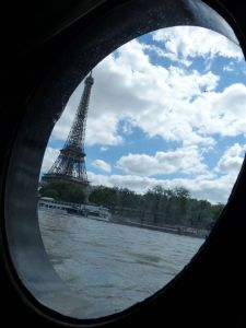 péniche, Soleil, River Seine, 7th arrondissement, houseboat, boat, Paris, France, quay, river, Eiffel Tower, porthole, galley, kitchen
