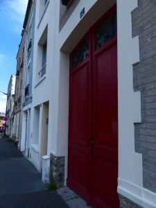 19th arrondissement, Quartier Mouzaia, Paris, France, door, red door