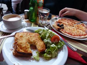 sandwich, pizza, hot sandwich, salad, food, Parisian bistro, latte